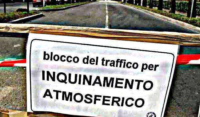 blocco del traffico per inquinamento